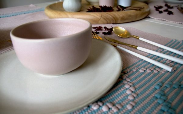 styling dining white&pink