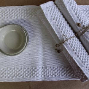 styling placemats frame wit